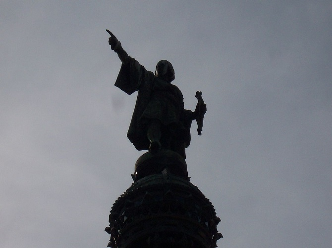 Columbus statue at the end of Las Ramblas