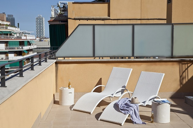 Enjoy an authentical terrace in Sagrada Familia district with your apartment in Barcelona