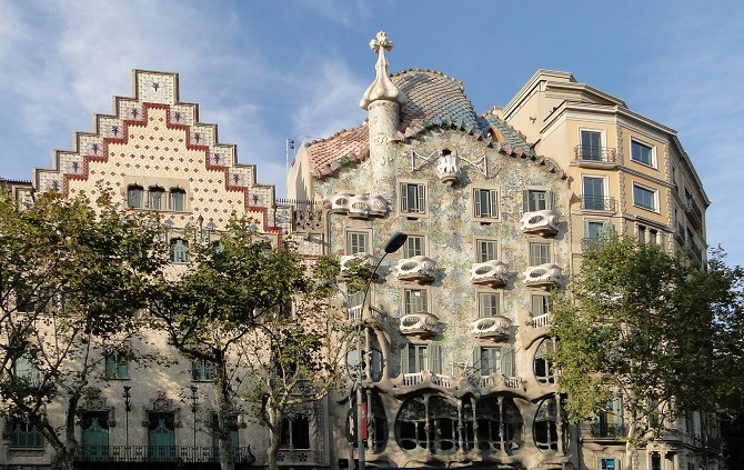 Casa Amatller and Casa Batlló are only two of the jewels that host Passeig de Gracia