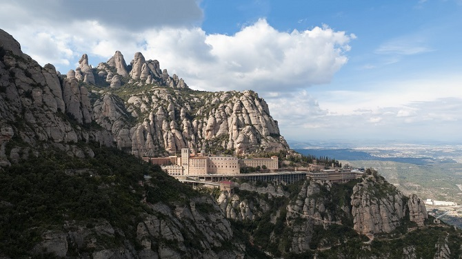 Monistrol de Montserrat is one of the villages close to Barcelona to enjoy in one day