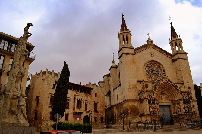 Vilafranca is one of the villages close to Barcelona to enjoy in one day