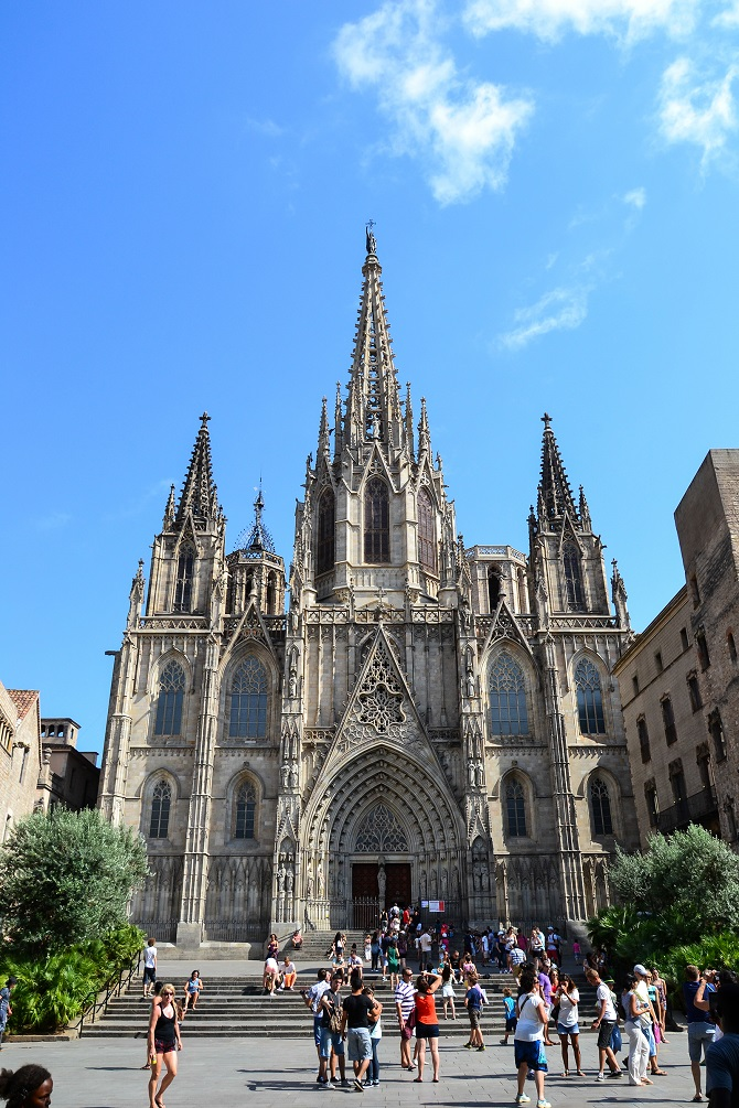Barcelona Cathedral hosts the chapels of Santa Eulalia, San Severo and San Celestino, where rest in peace this Christian martyr