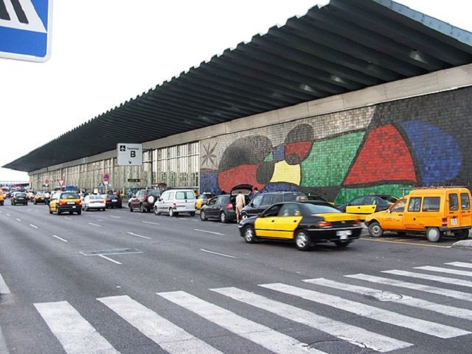 Going from Barcelona's airport to the city center by taxi is very easy