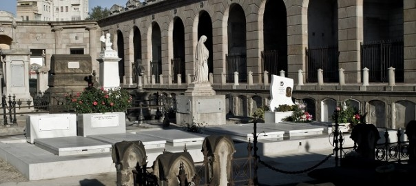 A visit to the monumental cemetery of Poblenou is one of the great plans in Barcelona on All Saints