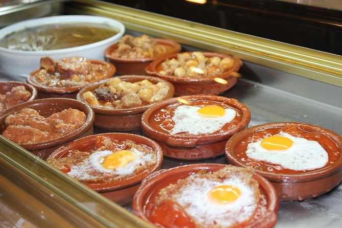 Some delicacies that mix tradition and innovation in the world of the Tapa inside of the Tapas crawl in El Born