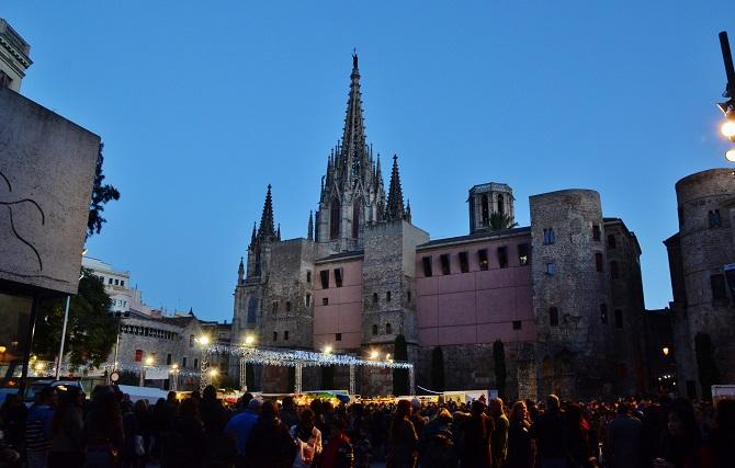 Barcelona on Christmas time: fira de santa llucìa